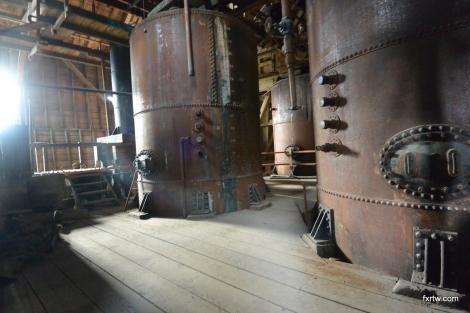Ammonium leeching tanks